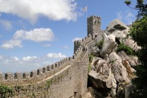 Battlements_of_Moorish_Castle_-_Sintra_-_Portugal - vakantie