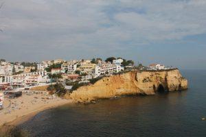 Carvoeiro is een prachtig dorp met mooie stranden in de Algarve