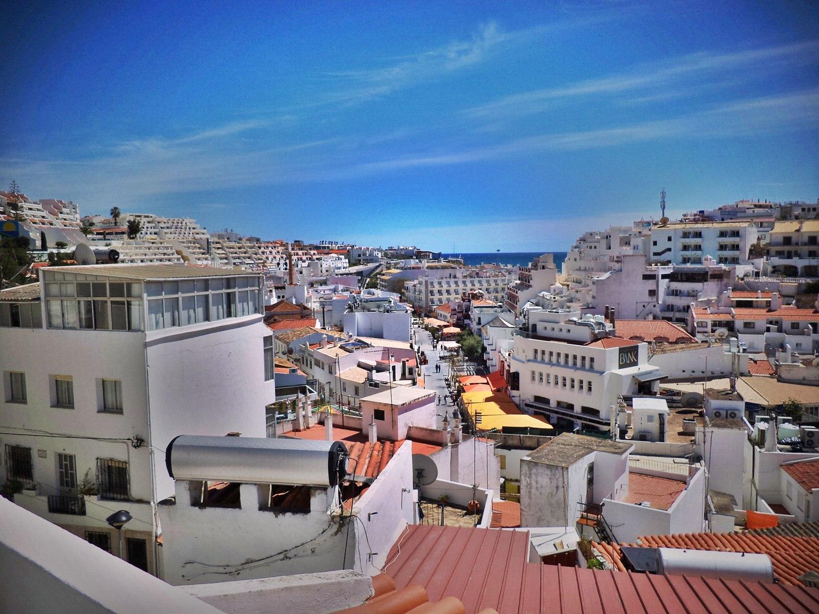 #2D639E22223348 Albufeira Old Town Vakantie Algarve.jpg Meest effectief Luxe Vakantie Portugal 3705 behang 160012003705 afbeeldingen