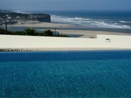 foz do arelho strand portugal