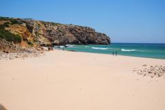zavial strand vlakbij vila do bispo algarve