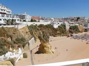 Mooiste stranden -Praia_do_Tunel-albufeira algarve vakantie 4