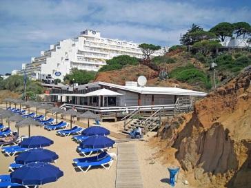 praia-da-oura-mooi-strand-algarve-vakantie-albufeira-2.jpg juli 17, 2015