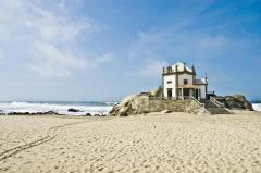 mooi strand ponta-de-miramar-porto- costa verde vakantie portugal 001