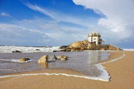 mooi strand ponta-de-miramar-porto- costa verde vakantie portugal 002
