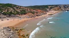 praia-do-zavial-vlakbij-sagres-en-lagos-mooi-strand-algarve-003.jpg